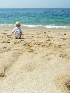 dreamstime_2297820.jpg child on beach